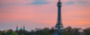 torre de petrin praga iluminada free tou