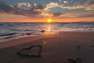 art-beach-beautiful-269583.jpg
