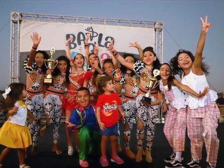 'Nativas' y 'Valdivinas', ganadoras del concurso Baila que Baila