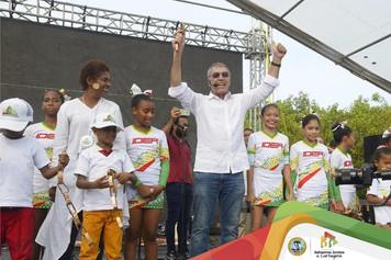 A ritmo de champeta, William Dau protocolizó su posesión como alcalde de Cartagena