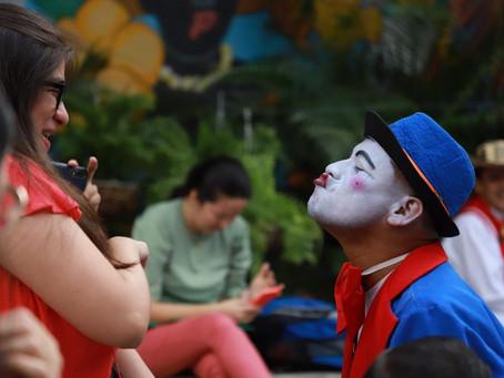 La comedia se toma los parques y el Gran Malecón del Río