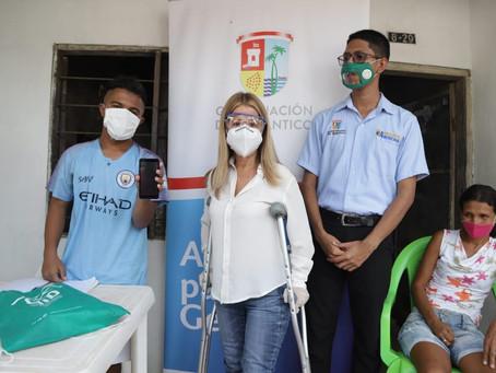 Estudiantes con discapacidad reciben equipos 4G en el Atlántico