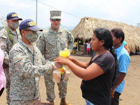 Armada de Colombia y Reserva Naval de Antioquia entregan 12 toneladas de pollo en Sucre
