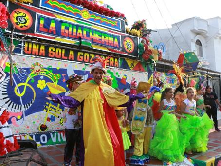 El Carnaval, de las calles a las fachadas de las casas