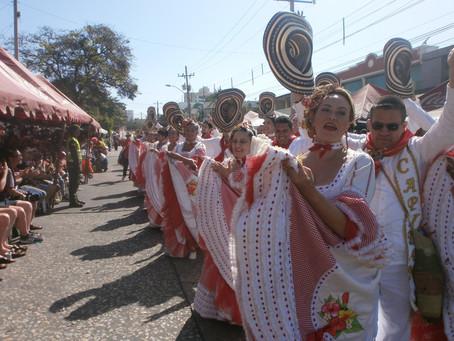 La calle 84 se ilumina con los 'Faroles y Tambores' del Carnaval