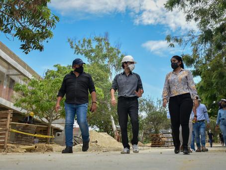 Alcalde Pumarejo inspecciona 2 de 6 colegios en los que se retomaron trabajos de infraestructura
