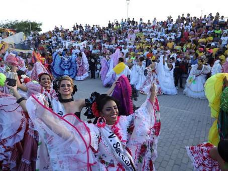 A ritmo de cumbia, las reinas populares se tomaron el Gran Malecón del Río