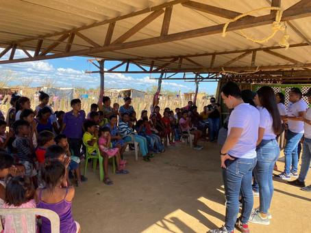 Cien niños en Uribia se beneficiaron con la donación de juguetes que realizó Miradas Alegres