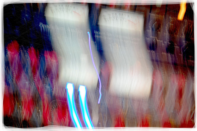 BlurStudio_02_WEB_Edges_Scratches.jpg