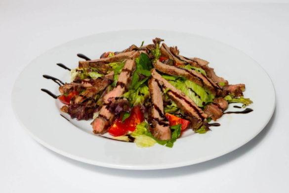 Микс салат из телятины гриль