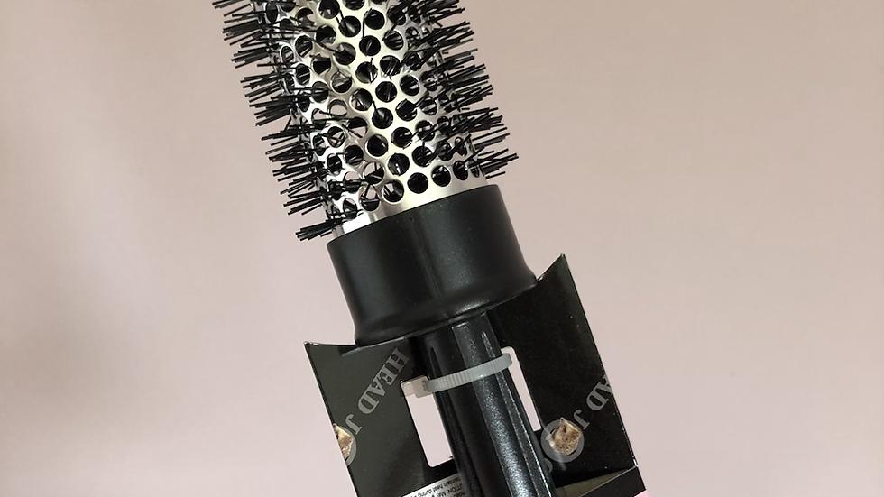 Blow-dry barrel brush - my favourite blowdry brush !