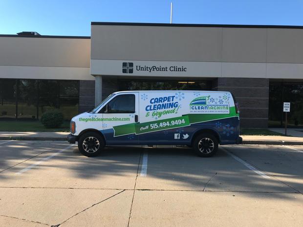 Commercial_Carpet_Cleaning_Van.jpg