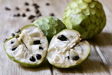 fruta cherimoia