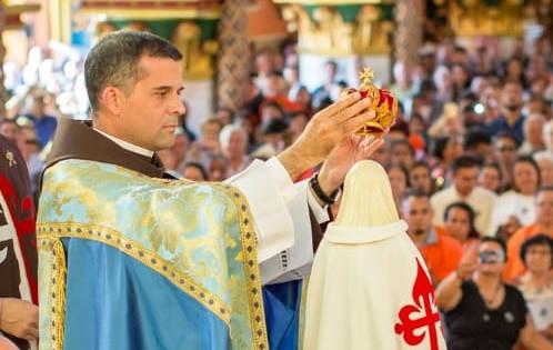 Arautos do Evangelho em Juiz de Fora realizam Tarde com Maria e festival de sorvete