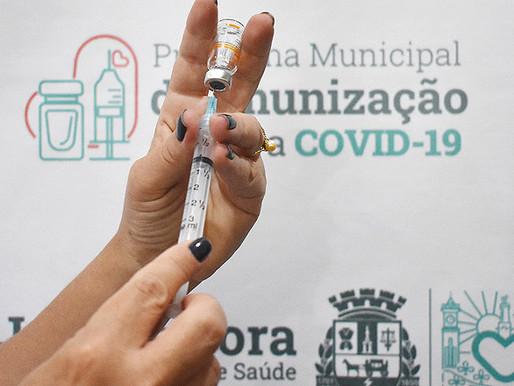 Calendário de vacinação por idade contra a Covid-19 é antecipado em Juiz de Fora
