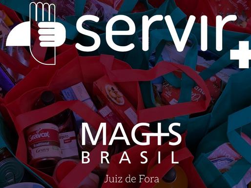 """Jovens recém-formados no Colégio Jesuítas realizam campanha """"Servir +"""" para arrecadar alimentos"""