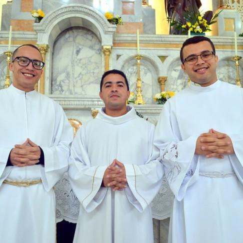 Seminaristas são instituídos acólitos e leitores
