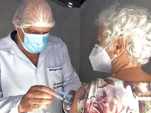 PJF antecipa calendário e idosos acima de 73 anos começam a ser vacinados nesta quarta (31)
