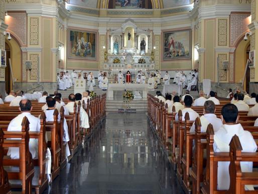 Missa da Unidade é celebrada com padres, diáconos e seminaristas da Arquidiocese