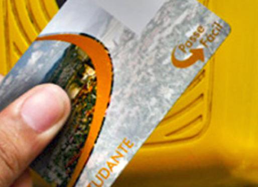 Desbloqueio do cartão passe fácil dos estudantes é realizado em JF