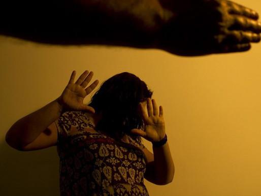 Denúncias de violência contra a mulher somam mais de 105 mil em 2020