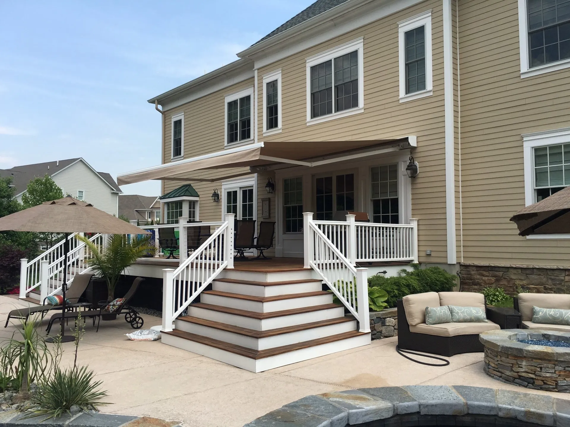 Retractable Awning For Deck or Patio   Locust Valley NY
