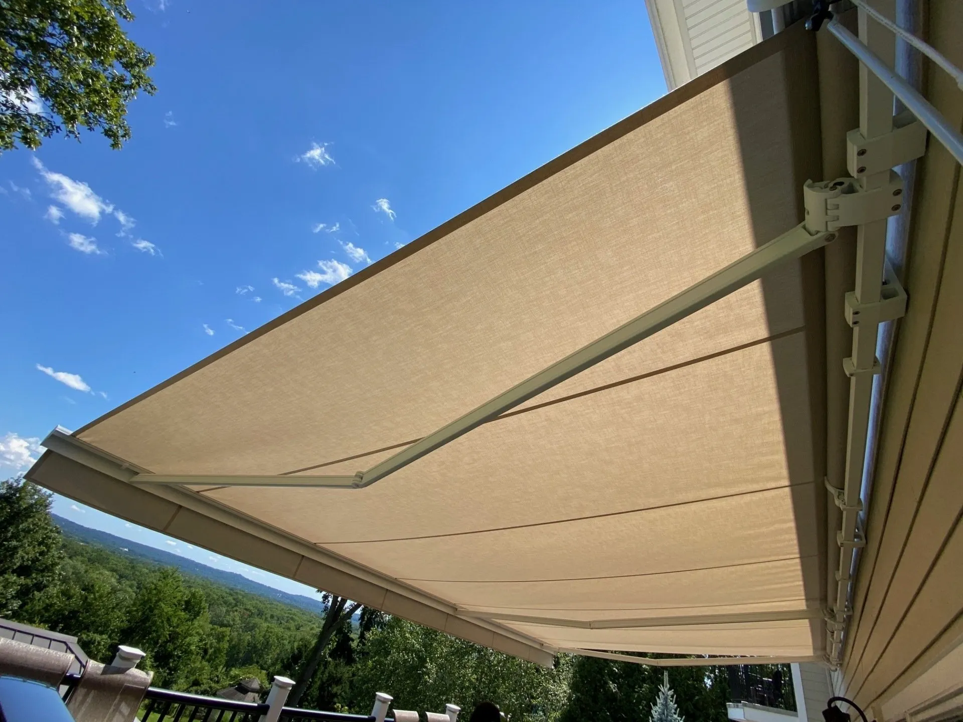 Retractable Awning For Deck or Patio