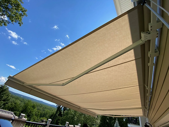 Long Island Retractable Awning
