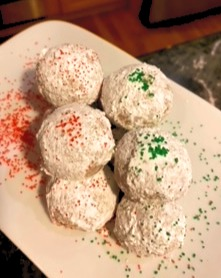 Hot Cocoa Snowballs