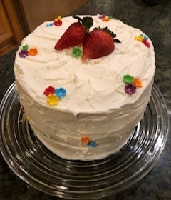 VANILLA-FRESH STRAWBERRY CAKE