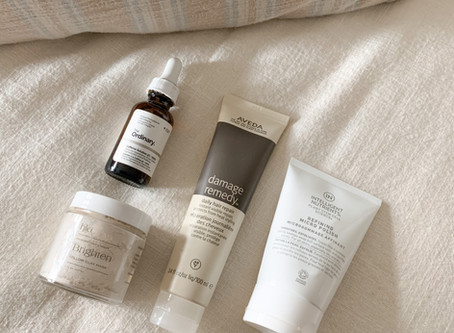 4 Essentials for Glowing Skin with No Makeup