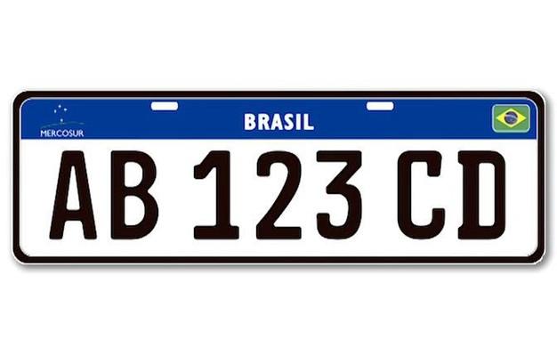 Placa Mercosul está oficialmente suspensa no Brasil