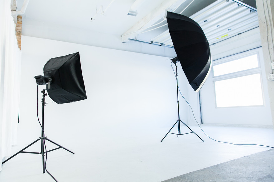 Studio A - Infinity Wall with Studio lights