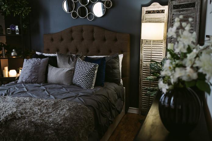 Studio B - Bedroom