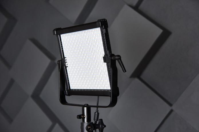 studio assistant fix professional video