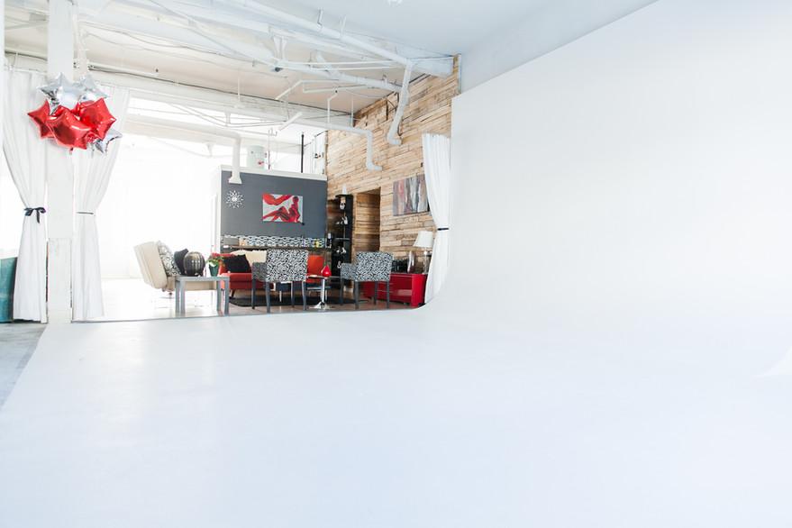 Studio A - Infinity Wall