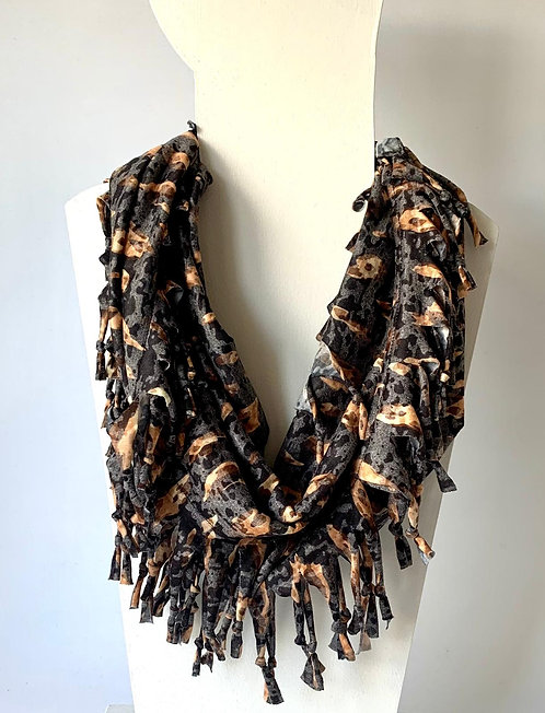The Short Knotted Scarf: Smudge Spotty