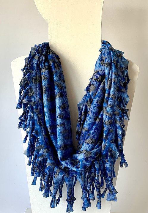 The Short Knotted Scarf: Blue Leopard