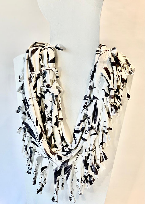 The Short Knotted Scarf: Bamboo
