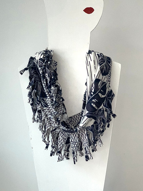 The Short Knotted Scarf - Blue Jungle