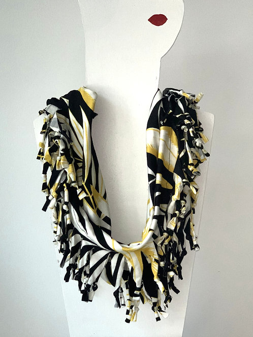 The Short Knotted Scarf - TBC
