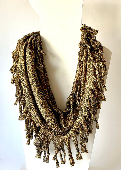 The Short Knotted Scarf: Mini Leopard