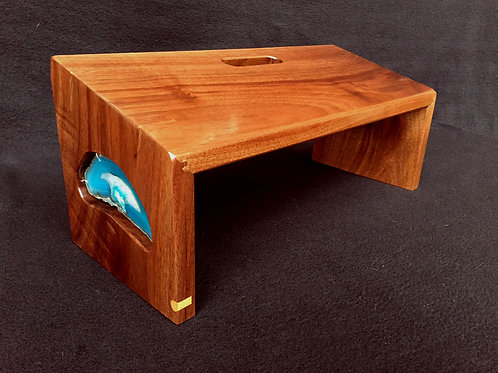 """""""Cave Opening"""" Meditation Bench"""