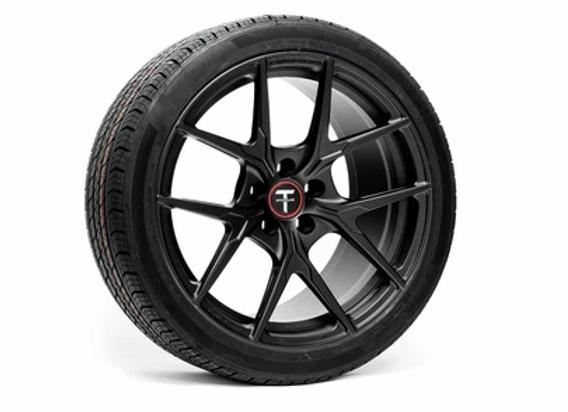 テスラ モデル3 Falcon Limited Edition 19インチアルミホイールタイヤ 4本パッケージ