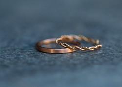 Matt gebürsteter Ring & Kordel-Kugel-Ring fein - Rotgold