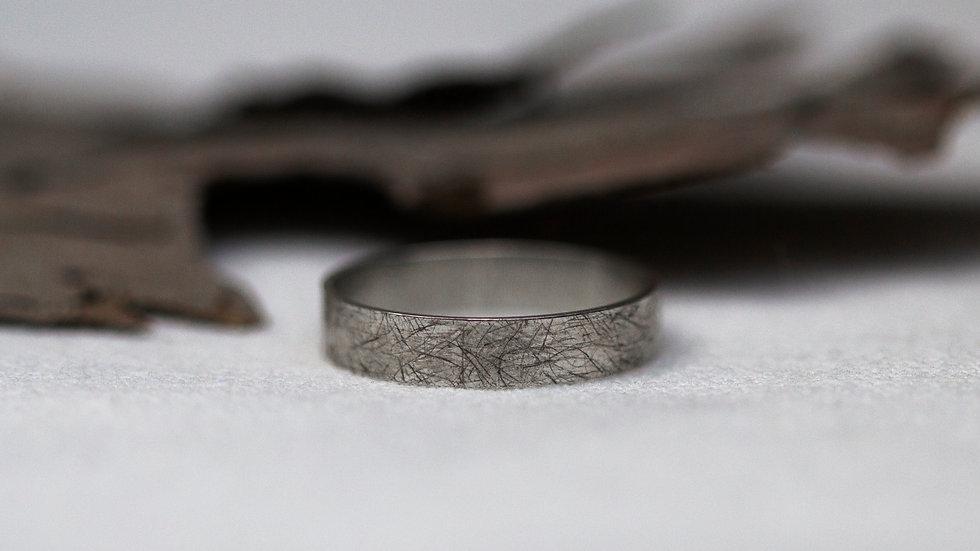 Schatzkiste: Eiskratzstruktur - Ring / Ringgröße 57,5
