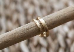 Ring mit Blattstruktur - Gelbgold