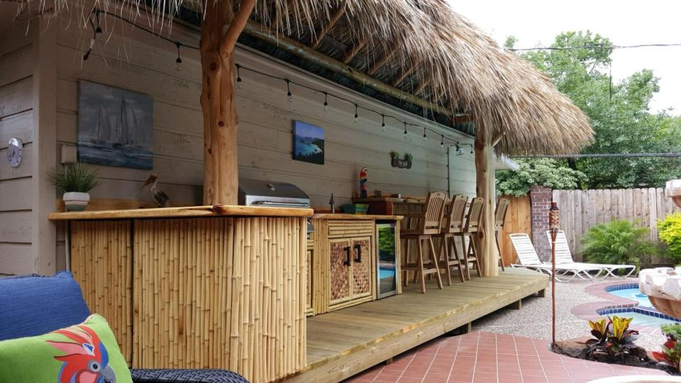 Lean too palapa with bar