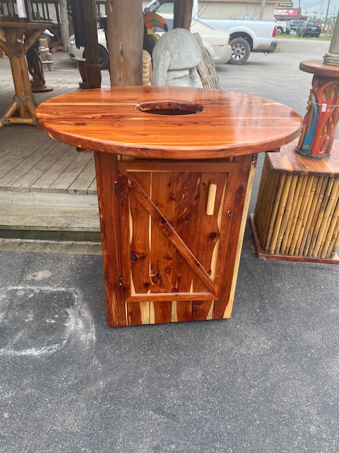 Cedar Crawfish Table