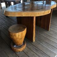 Gunacoste Table